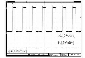 满载时LT1935内部功率三极管集电极电压和输出电压波形示意图