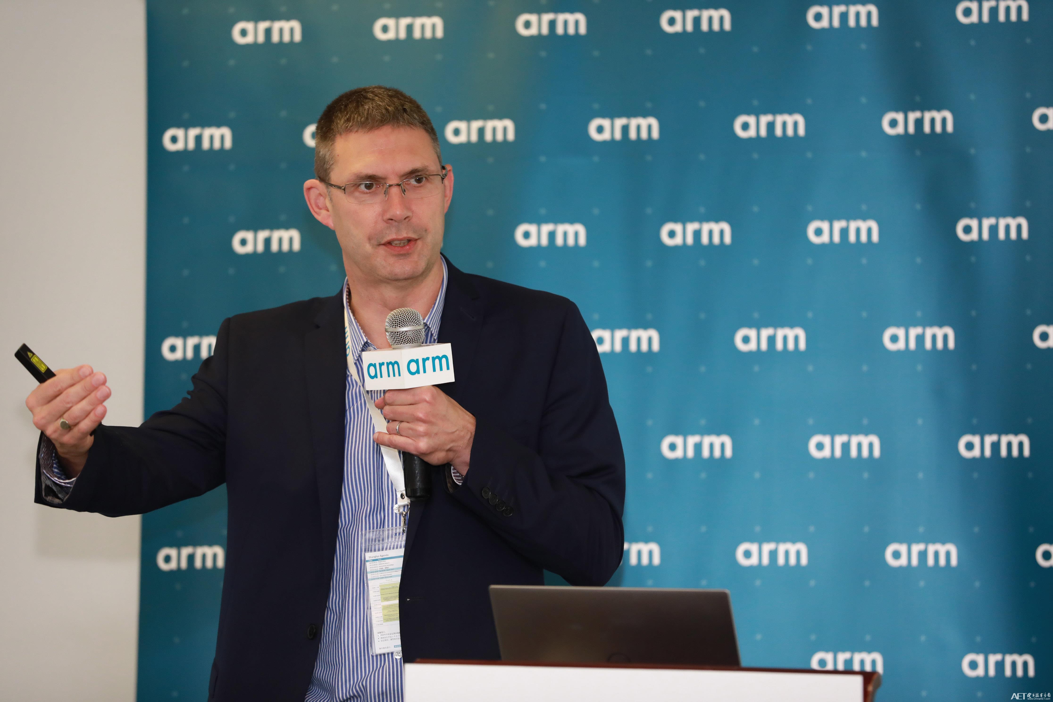 Arm计算事业部的资深市场营销总监Ian Smythe.jpg